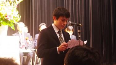 小林理事長の祝辞につづき、 全学科の在校生代表の送辞が贈られました。