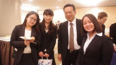 学生と言語聴覚療法学科 中山先生