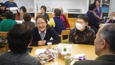 先生の後は、学生が楽しくお話ししました