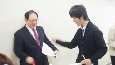 ソーシャル・ケア学科の佐藤先生も参加!本気です!