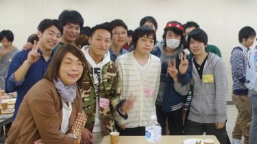 学科長の金井先生と笑顔で記念撮影