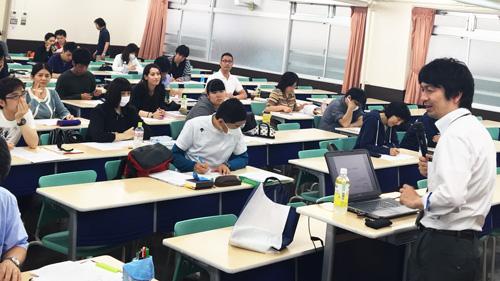 精神保健福祉士養成学科学科長 森山拓也先生の講義です!